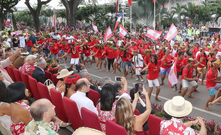 FrenchPolynesia_Autonomy_Day_parade_President's Office