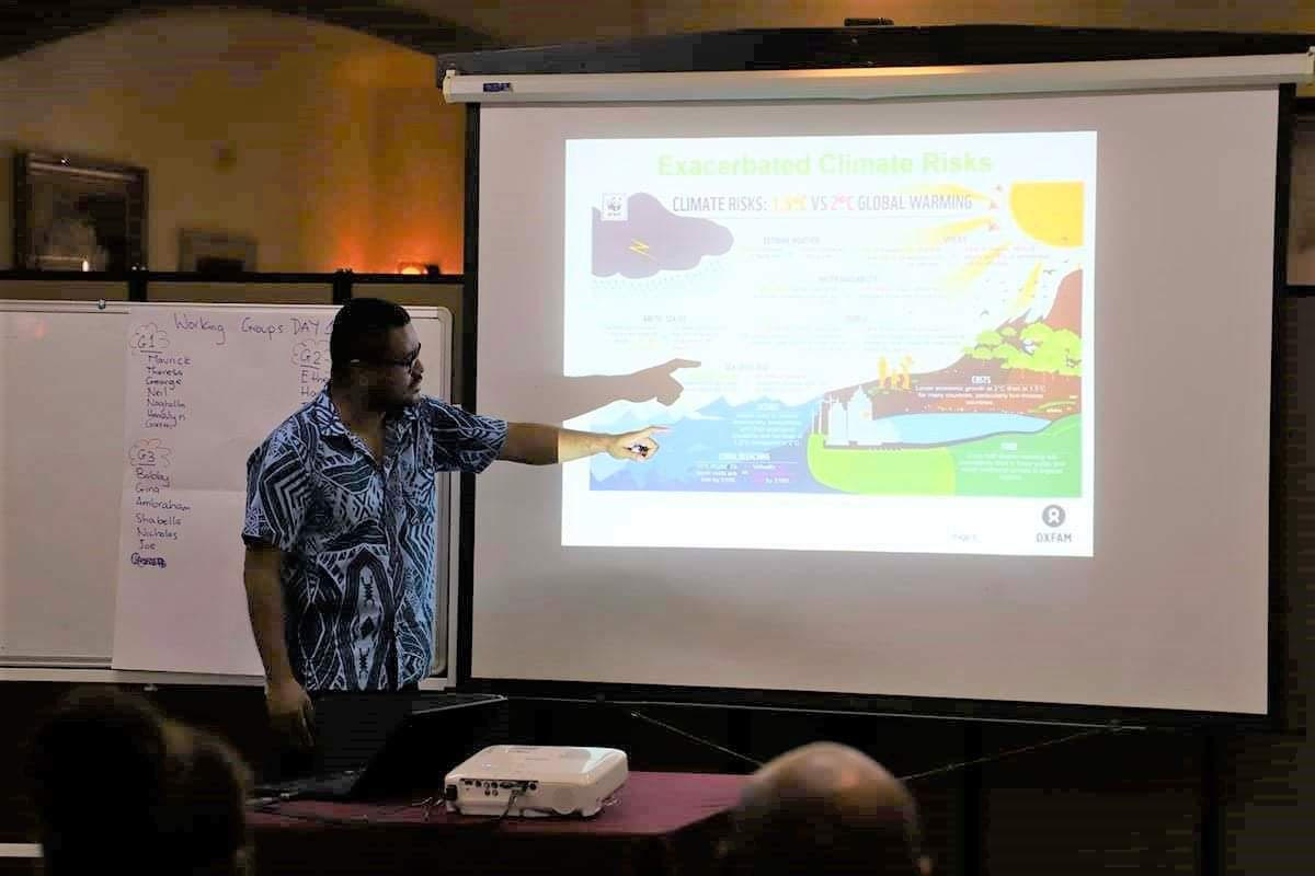 Dr Jale Samuwai, Climate Finance Advisor for Oxfam in the Pacific conducts Clinate Finance training to about 20 civil society representatives who are members of the Solomon Islands Social Accountability Coalition (SISAC), Solomon Islands Climate Action Network (SICAN)